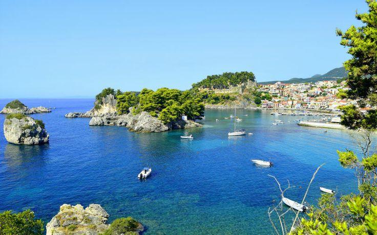 Rejs på sommerferie til smukke Parga med Apollo. Se mere på http://www.apollorejser.dk/rejser/europa/graekenland/parga-ammoudia-og-sivota/parga