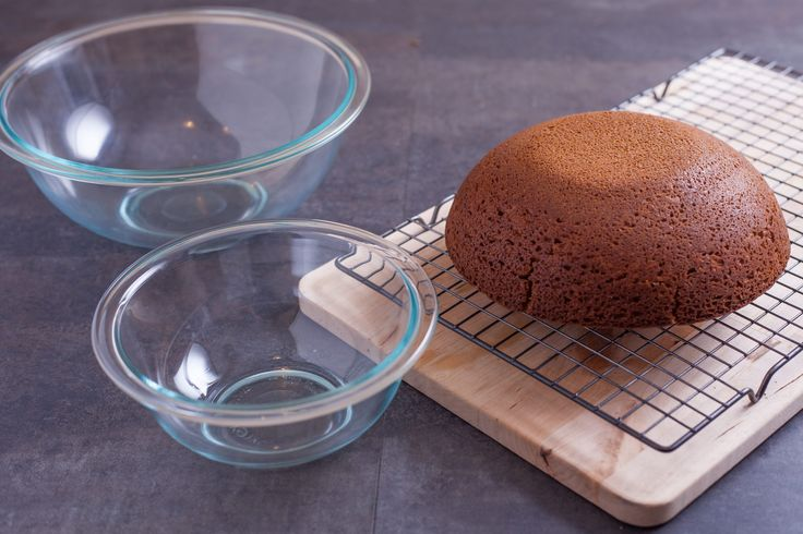 A cake decorator could easily fill up an entire kitchen with specialty baking pans, tools and utensils, but many dishes you already own can work double duty for cakes. Pyrex bowls are oven-safe, and the smooth interiors can be used to make egg-shaped or half-spherical cakes instead of purchasing a separate cake pans to take …