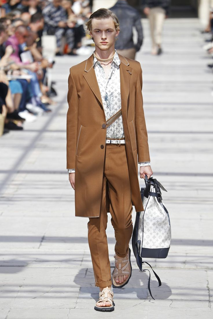 Louis Vuitton | Menswear - Spring 2017 | Look 13