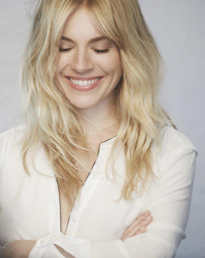 sienna's blonde waves