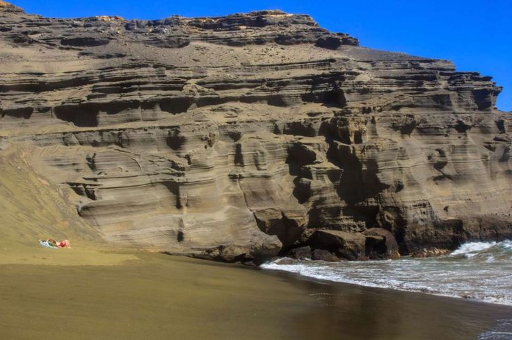 One of only four green sand beaches in the world, Papakolea Beach on Hawaii's Big Island gets its co... - Julie Thurston / Getty
