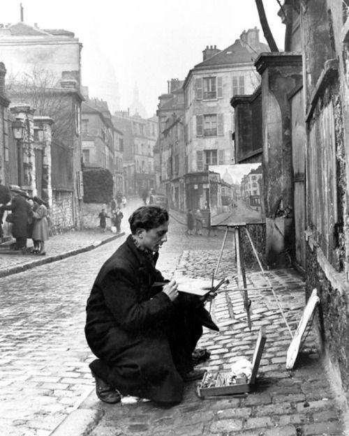 An artist painting the Sacré-Cœur from the ancient Rue Norvins in Montmartre, Paris, 1946. (Ed Clark)