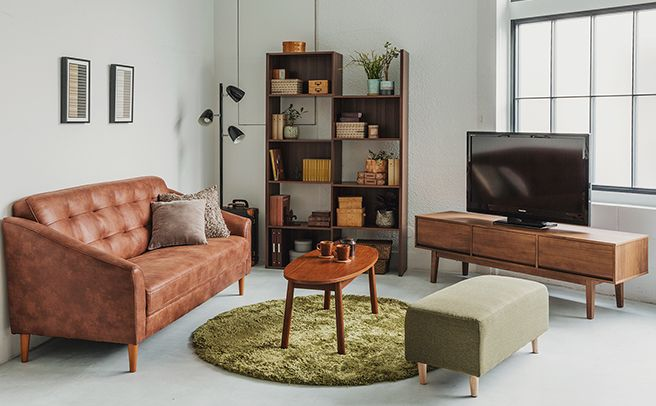 伸長式ラックとビンテージ風ソファーのコーディネート家具・インテリア通販のNOCE