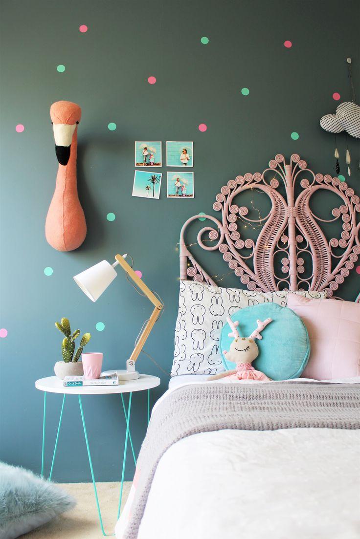 Girls bedroom - blankets by mama designs on the blog #barnrum #kinderkamer…