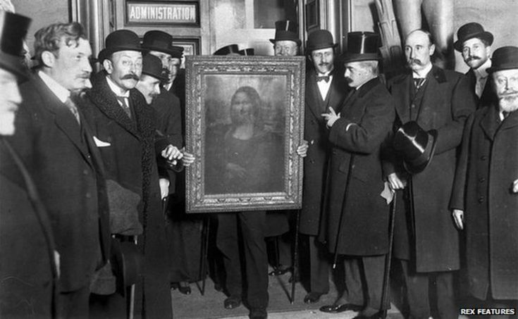 TIL that when the Mona Lisa was stolen in 1911 crowds of people still flocked to see the empty wall space where it had hung.