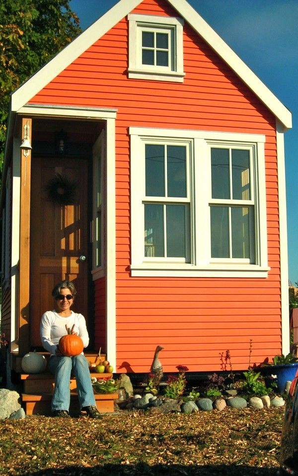 Best 25 orange house ideas on pinterest micro house for Microhouse cost