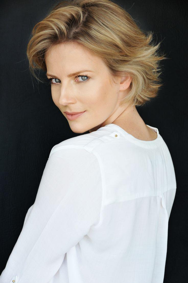 Katia Eyng / Surge Model