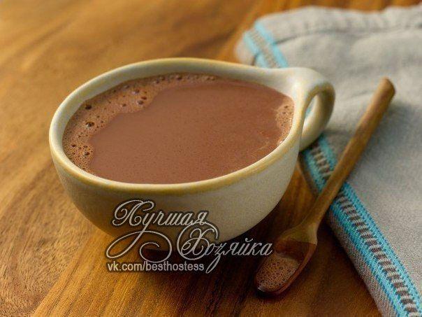 Пропорция приготовления какао: на 2 литра молока надо взять 6 столовых ложек какао порошка и 4 столовые ложки сахарного песка.