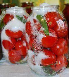 Самые вкусные помидоры «Царские» На 3-х литровую банку. Помидоры вымыть, наколоть зубочисткой дырочки (чтоб не трескались). Ингредиенты: