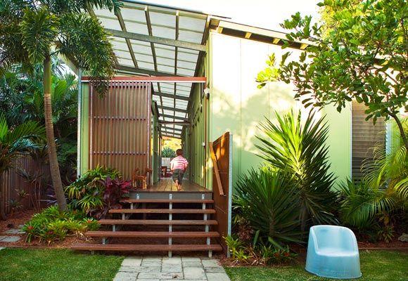 QLD modern bright/mid century beach shack entrance