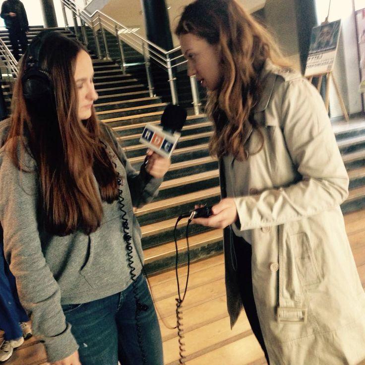 Weronika i Małgosia - próba  mikrofonu przed nagrywaniem spotów dla radia RDC
