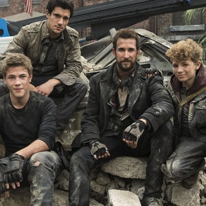 Falling Skies Season 3 Premiere Review -- Brian Gallagher takes us through all the intriguing new developments in this two-hour premiere, debuting Sunday, June 9th at 9 PM ET on TNT. -- http://wtch.it/RmUkE