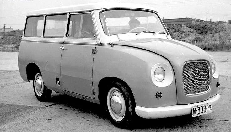 1960 Polish FSO-Syrena 3-door 7-seat Mikrobus with a 746cc (3-cylinder?) engine