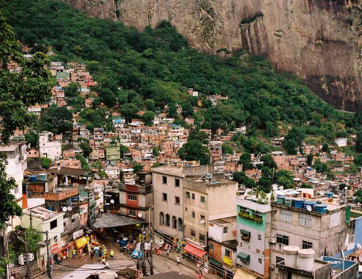View from Laboriaux towards Rocinha, Rio de Janeiro, 2013 © Marc Ohrem-Leclef