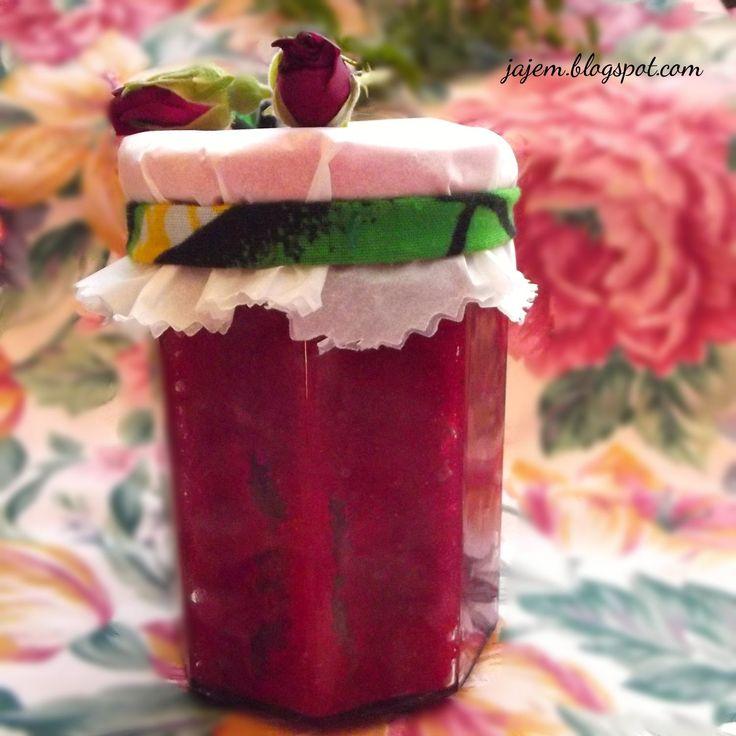 Ja jem – blog kulinarny ze smakiem: Co zrobić z płatków róży? Utrzeć!