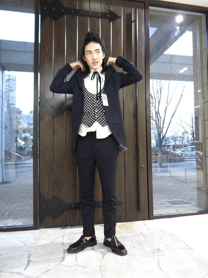 KQ KING AND QUEEN for Men's Style キングアンドクイーン メンズファッションコーディネート http://www.worldpeace.jp #mens #fashion #style #navy #jacket #pant #polkadot #vest #whiteshirt #メンズ #ファッション #コーディネート #水玉 #ベスト #パンツ #ジャケット #メンズコーディネート #メンズファッション #シンプルコーディネート #大人コーディネート #大人カジュアル #黒