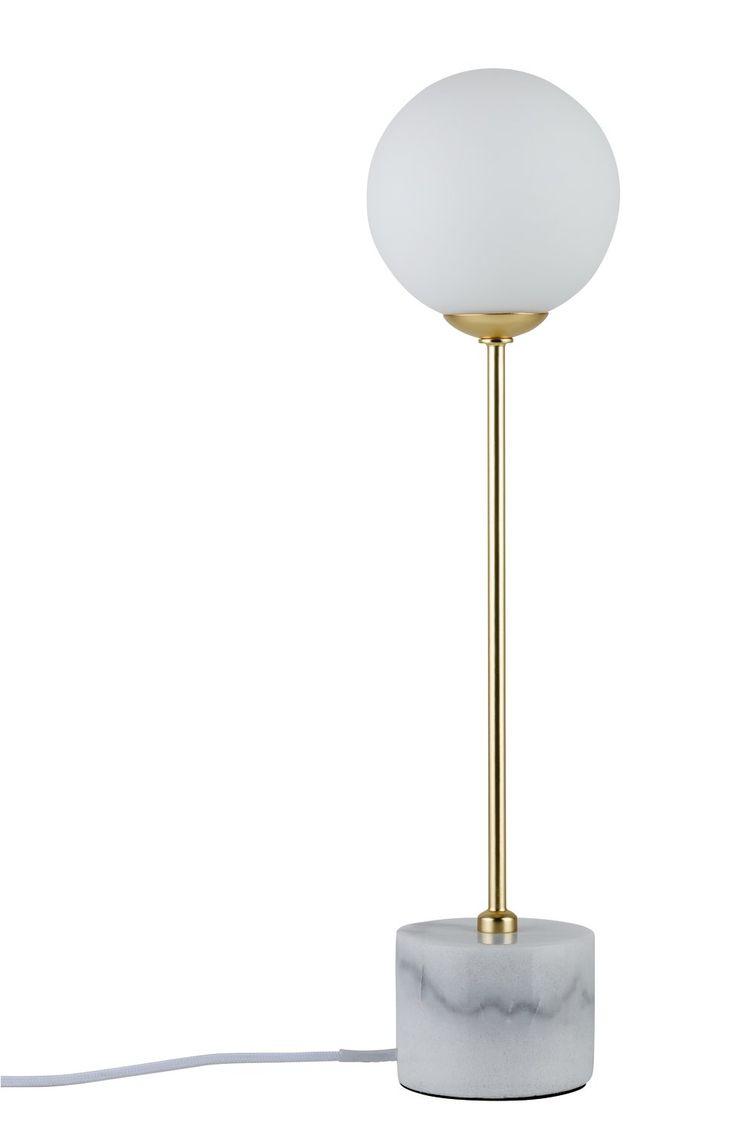 Moderner Materialmix aus echtem Marmor und Glas, trendiges Gold und zeitloses Weiß: die Neordic Moa Tischleuchten stehen für wohnliches Licht im nordischen Stil. Setzen Sie spielend leicht Lichtakzente in allen Räumen. Durch die...