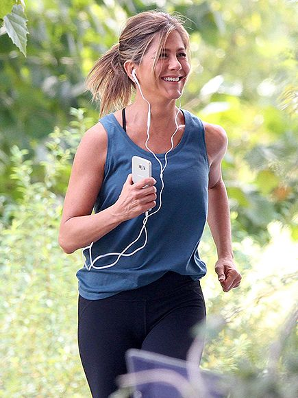 Star Tracks: Monday, September 14, 2015   WALK IN THE PARK   Jennifer Aniston is more than happy to work up a sweat as she films Mother's Day on Friday in Atlanta, Georgia.