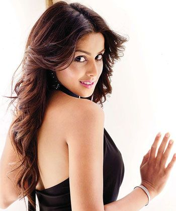 Genelia D'Souza is geared up for a comeback on the small screen!
