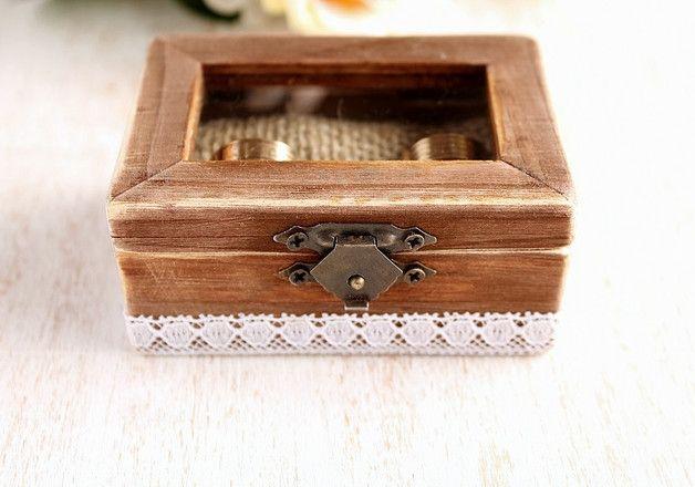 Diese Holzring-Box würde perfekte Hochzeit Kissen Alternative für Wald, rustikal, Wald, Garten oder Bauernhof Scheune Hochzeiten. Kann als ein Verlobungsring-Box, Vorschlag-Box oder als...