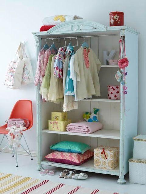 mommo design: SOMETHING MINT - Kleiderschrank für Kinder offen, mit Regal und Kleiderbügel-Halter fürs Kinderzimmer in Mint-Grün
