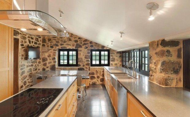 Chemin bord du lac par henri cleinge architecture and - Renovation vieille maison pierre ...