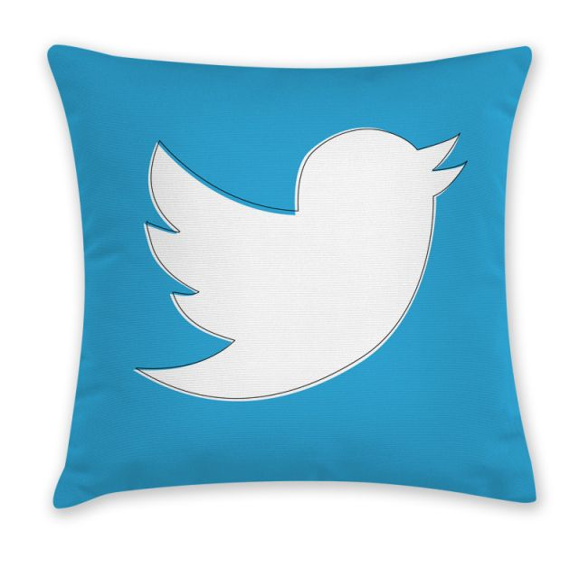 iDesignMe-Twitter_front http://idesignme.eu/2013/08/cuscini-app-di-carillon-design/ #cuscini #pillow #app #geek #technology #trends #cool #furniture #home #homedecor #design #twitter