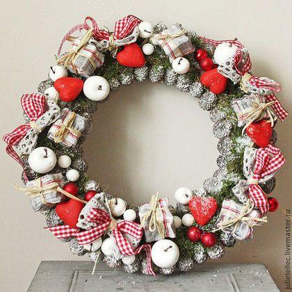 """Рождественский венок """"Алиса"""" - ярко-красный,серый,венок на дверь,Новый Год"""