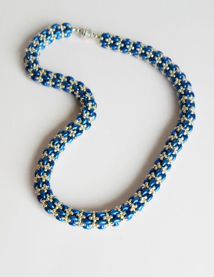 3048 Daydreamer necklace.  Thanks to Jill Wiseman for creating this great pattern!  Stitched by Darlene Pfahl