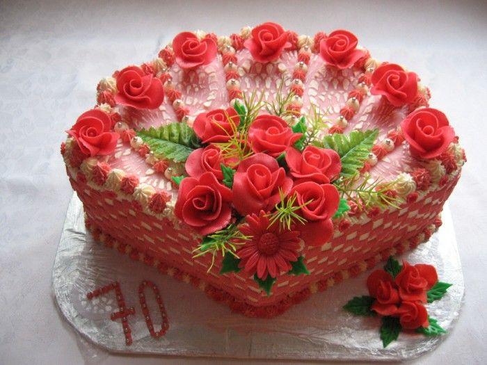 Dort krémový * vějíř s marcipánovými růžičkami