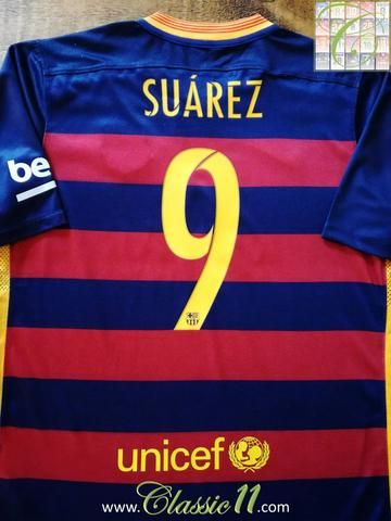 Official Nike Barcelona home football shirt from the 2015/2016 season. Complete with Suárez #9 on the back of the shirt.