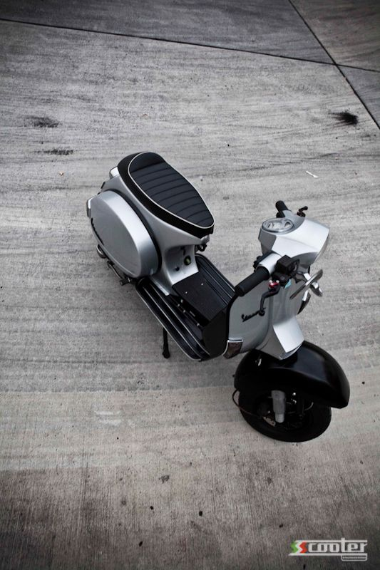 From mild to slightly wild…Vespa PX 200 | S.S. Scooter Engineering