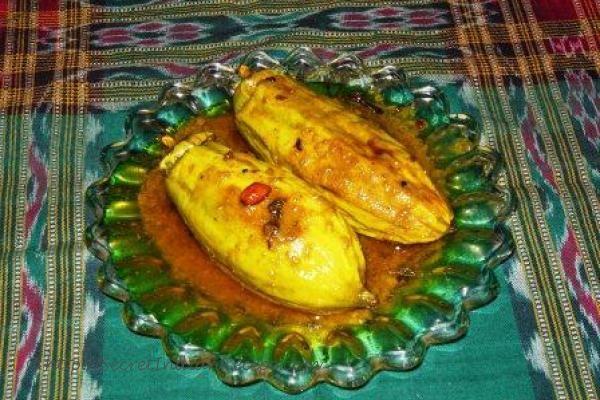 http://secretindianrecipe.com/recipe/potoler-dorma-stuffed-parwal-bengali-delicacy