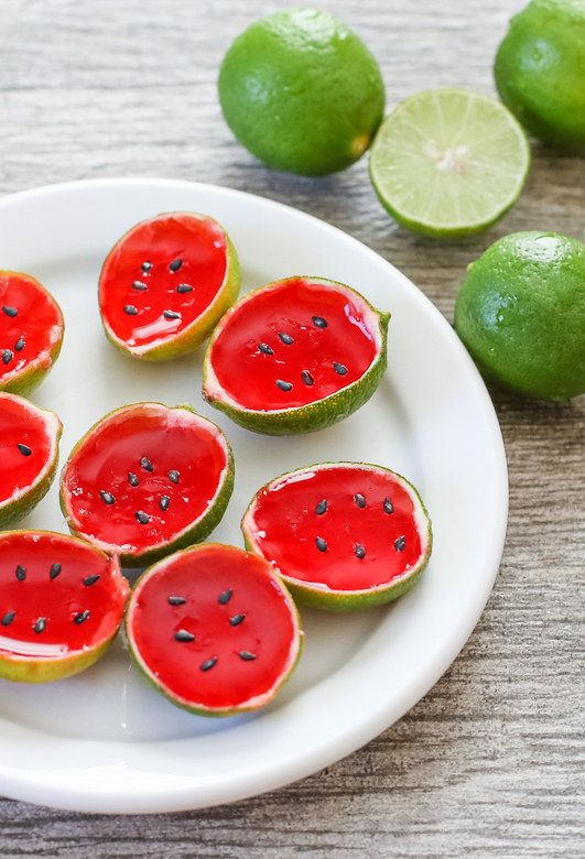 How cute are these watermelon tequila jello shots? Huh?!