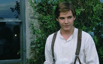 Daniel Brühl as Andrea in Ladies in Lavender  #obejrzane  (Sadly, there's no such polish name as Andrea...)