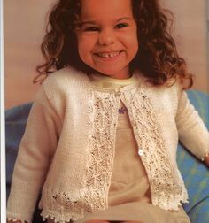 grandi fern- darling girl's sweater- free pattern. Several patterns have been translated to English.