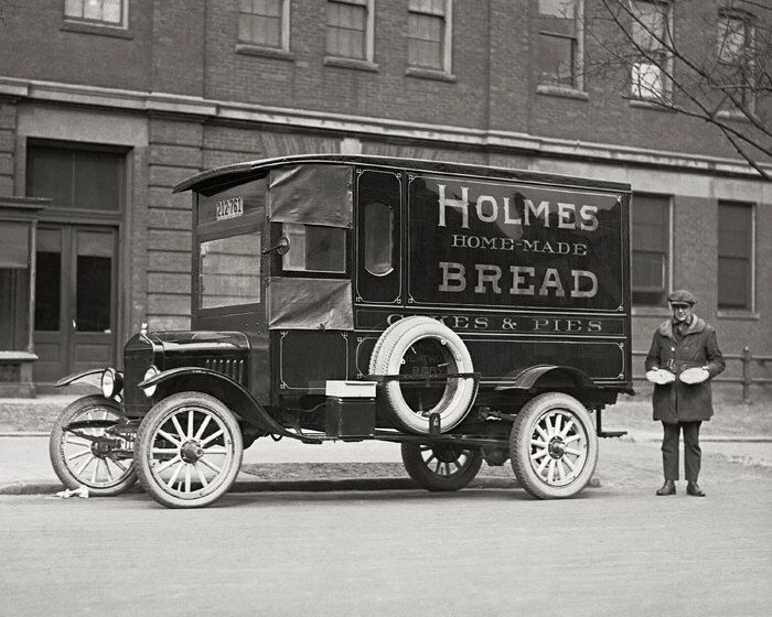 Bakery Delivery Truck, 1923. Vintage Photo Digital Download. Black & White Photograph. Baker, Bread, Cakes, Pies, 1920s, 20s, Historical. by HistoryPhoto on Etsy https://www.etsy.com/listing/246457122/bakery-delivery-truck-1923-vintage-photo