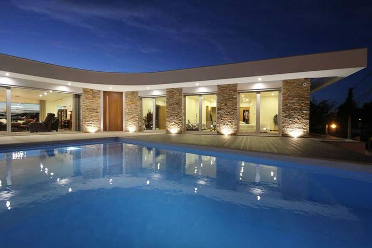 Villa em Caldas da Rainha por SOUSA LOPES, arquitetos   – Moradias modernas