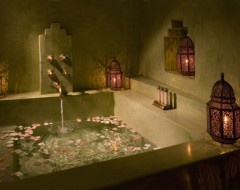 Moroccan inspired tub space
