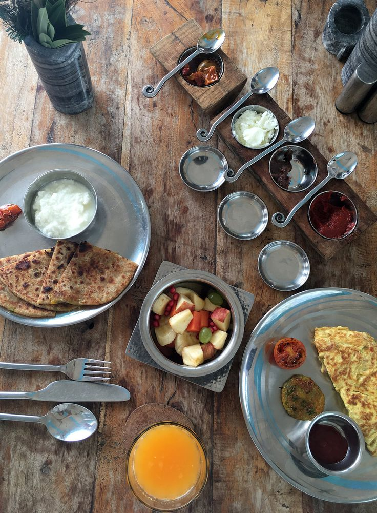 Local breakfast with parathas and masala omelettes at Lakshman Sagar resort in Rajasthan — LOVER #hotel