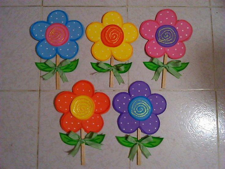 Regalitos para mam lindos abanicos en forma de flor - Abanicos para pintar ...