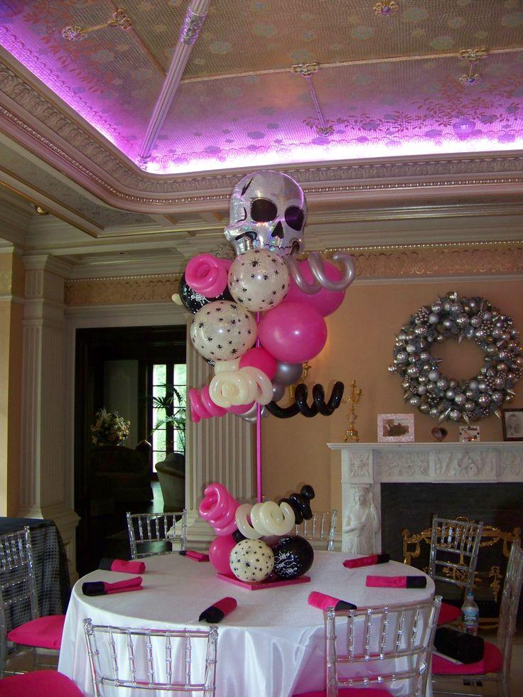 Scarey Movie theme balloon topiary centerpieces Skulls