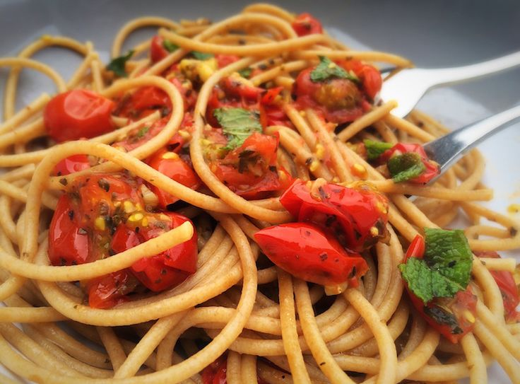 Simple cherry tomato and garlic pasta. Made with wholemeal pasta ...