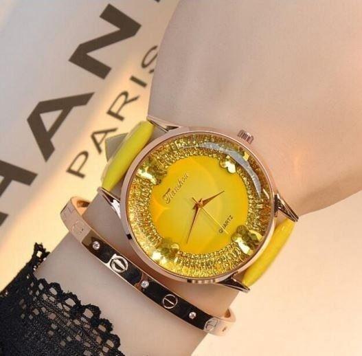 Luxusní stylové dámské hodinky žluté Na tento produkt se vztahuje nejen zajímavá sleva, ale také poštovné zdarma! Využij této výhodné nabídky a ušetři na poštovném, stejně jako to udělalo již velké množství spokojených zákazníků před …