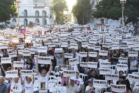Plaza de Mayo, marcha por la tragedia de #Once JU5t1CIA #22F