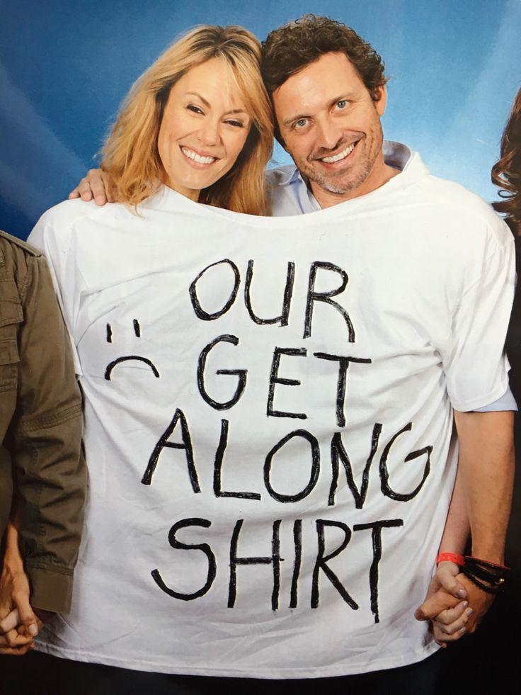 """Sibling rivalry solved! """"OUR :( GET ALONG SHIRT"""" - Emily Swallow & Rob Benedict at Chicon 2016. #spn 