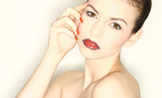 DinaLisa Photography - Model: Dagmar Rijgersberg - MUA: Danielle Trilsbeek