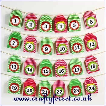 Free printable red and green Christmas Advent Calendar mini boxes garland from www.craftyferret.co.uk