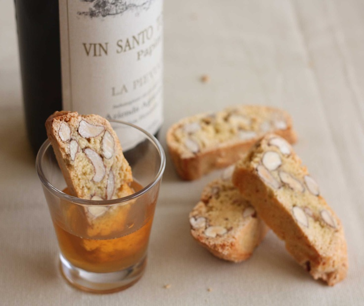 Tuscan almond cookie dipped in sweet dessert wine: Cantuccini con Vin Santo