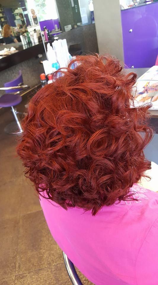 Color Prepare - Προετοιμασία χρώματος  Πριν απο κάθε βαφή πλέον , προετοιμάζουμε τα μαλλιά μας και το δέρμα μας με #colorprepare της Malibu c.  - Για να μην έχουμε ερεθισμό στο δέρμα μας και να έχουμε ένα πετυχημένο χρώμα. - Εξασφαλίζει καλύτερη κάλυψη λευκών και πετυχαίνει λιγότερο ξεθώριασμα στο χρώμα.  #Malibuc #colorprepare #Loreal #haircolor #hairstyle #oiepikefalis